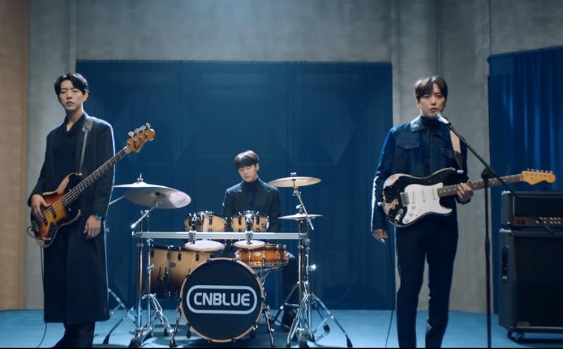 https: img.okezone.com content 2020 11 17 620 2311293 rilis-mini-album-ke-8-cnblue-resmi-comeback-perdana-tanpa-jong-hyun-057YikxsK5.jpg