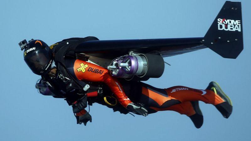 https: img.okezone.com content 2020 11 18 18 2311670 jetman-prancis-tewas-saat-latihan-4J9EGDZXYp.jpg