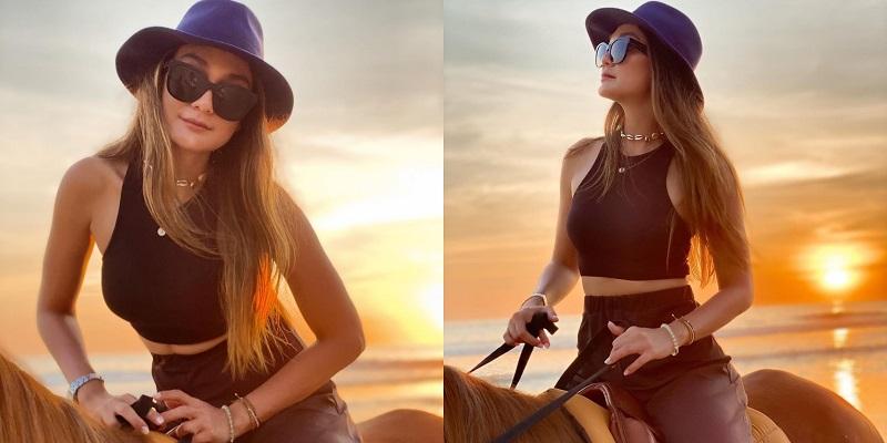 https: img.okezone.com content 2020 11 18 194 2311649 pesona-luna-maya-nikmati-sunset-sambil-berkuda-netizen-cantiknya-awet-4CBoifUOAZ.jpg