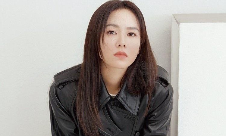 https: img.okezone.com content 2020 11 18 206 2311752 son-ye-jin-ungkap-alasan-berani-debut-hollywood-BnDX87LjhP.jpg