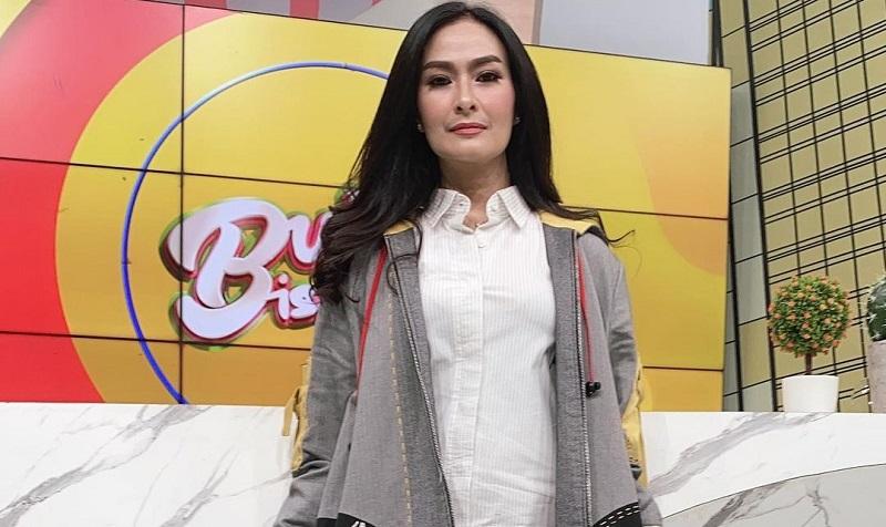 Iis Dahlia Bingung Masih Dihujat Fans Lesty : Okezone Celebrity