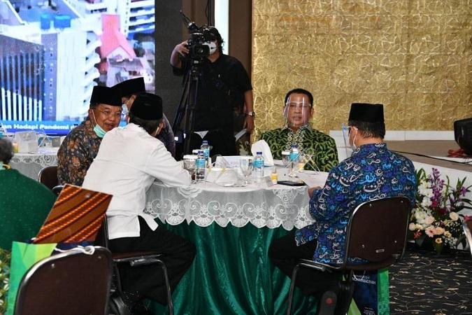 https: img.okezone.com content 2020 11 18 337 2311848 hadiri-milad-bamsoet-indonesia-dan-muhammadiyah-satu-kesatuan-tak-terpisahkan-L7VxZow8T0.jpg