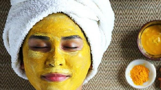 https: img.okezone.com content 2020 11 18 481 2311469 daftar-khasiat-clay-mask-untuk-perawatan-kulit-dan-rambut-NSjV219jAm.jpg