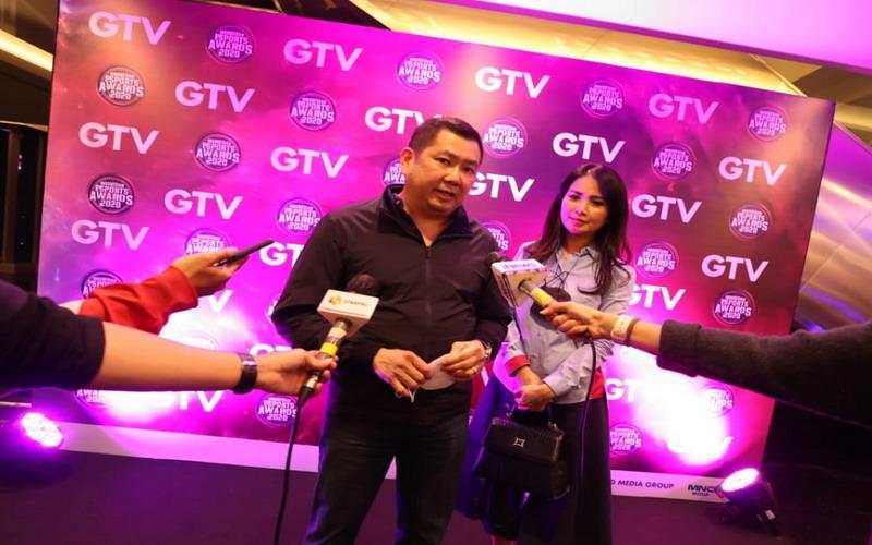 https: img.okezone.com content 2020 11 19 16 2312251 indonesian-esports-awards-2020-hary-tanoesoedibjo-mnc-dukung-esports-tumbuh-kian-pesat-Fm78CxWooV.jpg