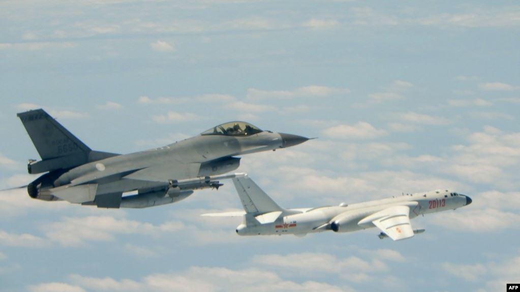 https: img.okezone.com content 2020 11 19 18 2312051 latihan-malam-hari-pesawat-tempur-f-16-milik-au-taiwan-hilang-T7c7rdl4K8.jpg