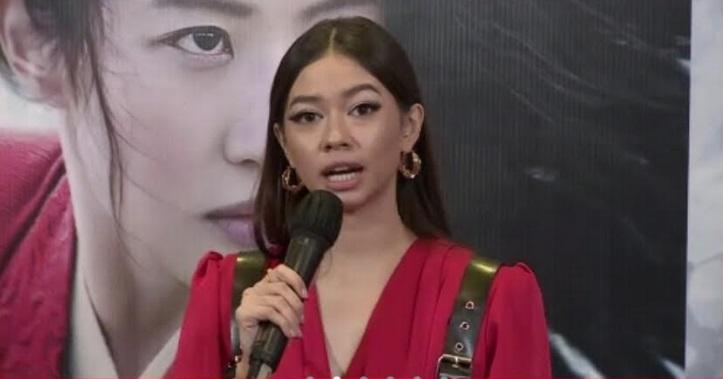 https: img.okezone.com content 2020 11 19 206 2312463 yuki-kato-sempat-tak-percaya-diri-isi-suara-film-mulan-versi-bahasa-indonesia-7Jb9sdhUnA.jpg