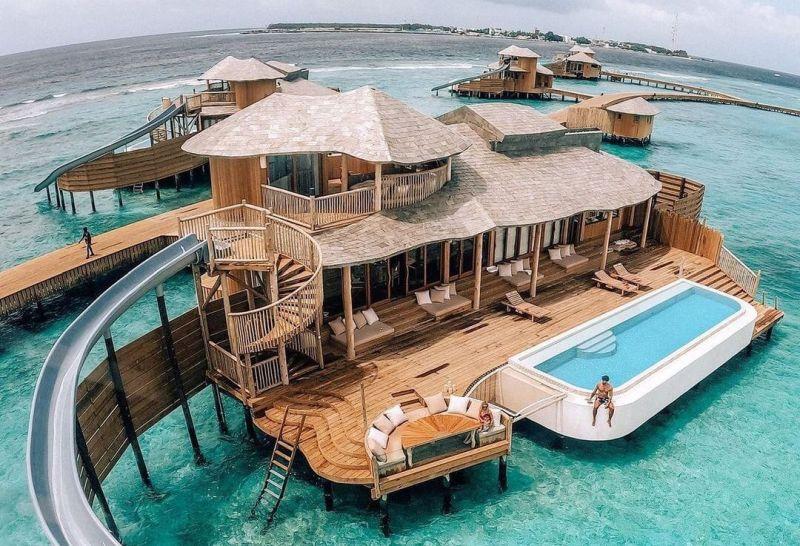 https: img.okezone.com content 2020 11 19 406 2312686 soneva-fushi-hotel-mewah-di-maladewa-untuk-para-pasangan-JDh4QobyxF.jpg