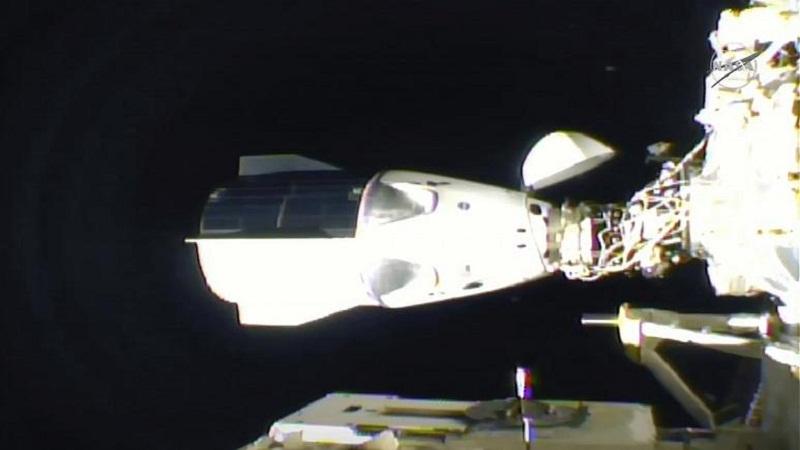 https: img.okezone.com content 2020 11 20 16 2313150 tiba-di-stasiun-luar-angkasa-kru-kapsul-spacex-merasa-seperti-bermimpi-EV29uwPchU.jpg