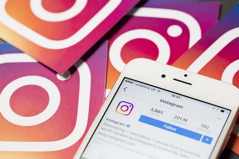 https: img.okezone.com content 2020 11 20 16 2313321 hari-anak-sedunia-instagram-perbarui-panduan-untuk-orangtua-OL28mevW6o.jpg