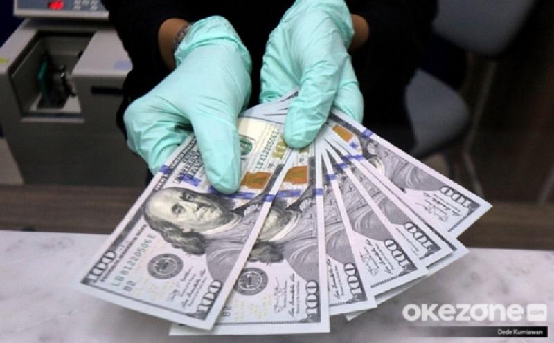 https: img.okezone.com content 2020 11 20 320 2312743 dolar-kembali-menurun-di-tengah-pembicaraan-stimulus-ekonomi-yWjfnkKF2k.jpg