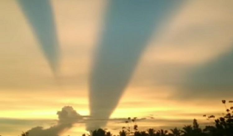 https: img.okezone.com content 2020 11 20 519 2312724 viral-cahaya-matahari-tembus-awan-di-banyuwangi-ini-penjelasan-bmkg-wKh5ftfBAS.jpg