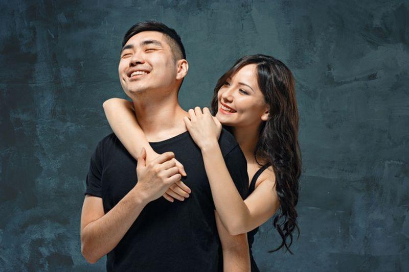 https: img.okezone.com content 2020 11 20 612 2313301 tak-hanya-modal-cinta-3-hal-ini-penting-untuk-hubungan-percintaan-WaiL9wR0fK.jpg