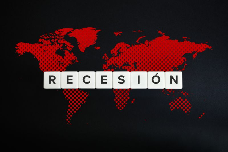 https: img.okezone.com content 2020 11 21 320 2313582 awan-gelap-masih-selimuti-ekonomi-global-newsY2Xj1R.jpg