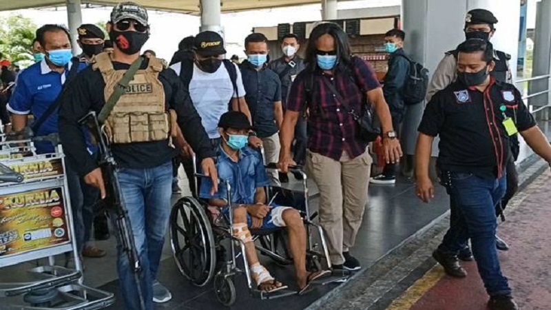 https: img.okezone.com content 2020 11 21 340 2313600 pelaku-pembunuh-wanita-dalam-karung-di-pangkalpinang-ditangkap-polisi-EZvXUqPP3A.jpg