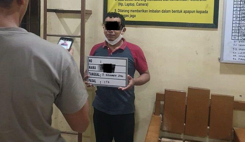 https: img.okezone.com content 2020 11 21 340 2313733 mantan-ketua-fpi-banda-aceh-ditangkap-lantaran-hina-polisi-BQPwMPRBnN.jpg