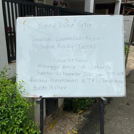 https: img.okezone.com content 2020 11 21 49 2313573 ricky-yacobi-meninggal-dunia-ini-4-pesepakbola-indonesia-yang-wafat-di-lapangan-jd7JGqDYnG.jpg