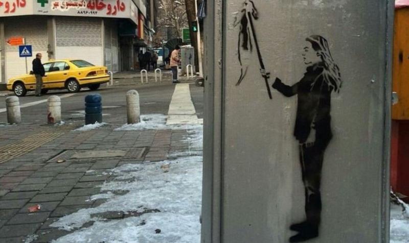 https: img.okezone.com content 2020 11 22 18 2313985 aktivis-anti-hijab-iran-terancam-12-tahun-penjara-jika-dideportasi-dari-turki-YUbzwW2L84.jpg