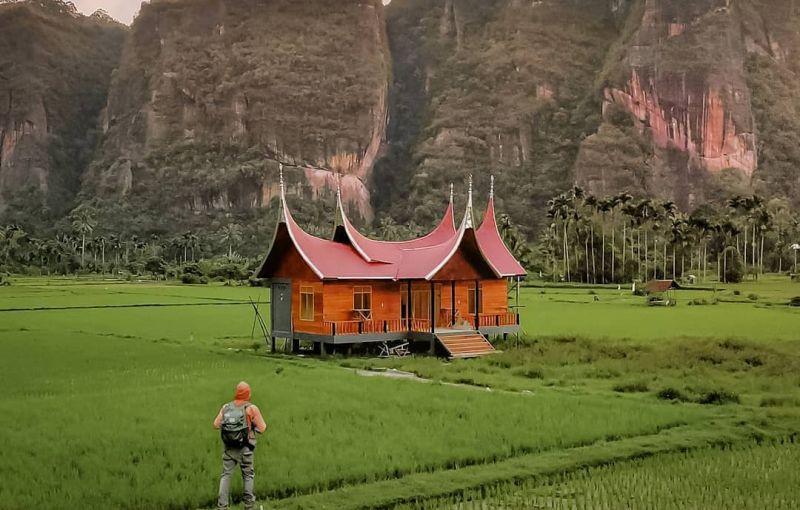 https: img.okezone.com content 2020 11 23 408 2314657 pesona-harau-valley-lembah-indah-mirip-yosemite-califonia-di-sumbar-Hhtc7gaEST.jpg
