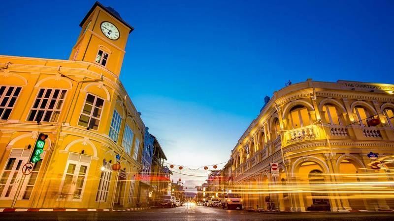 https: img.okezone.com content 2020 11 23 549 2314471 backpacker-ke-thailand-yuk-jelajahi-kawasan-kota-tua-phuket-mIVBIQtjTr.jpg