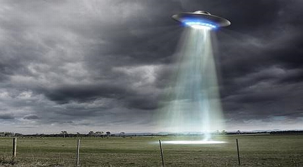 https: img.okezone.com content 2020 11 25 18 2315792 pangeran-philip-koleksi-buku-ufo-dan-alien-f8m8Z6Vo1e.jpg