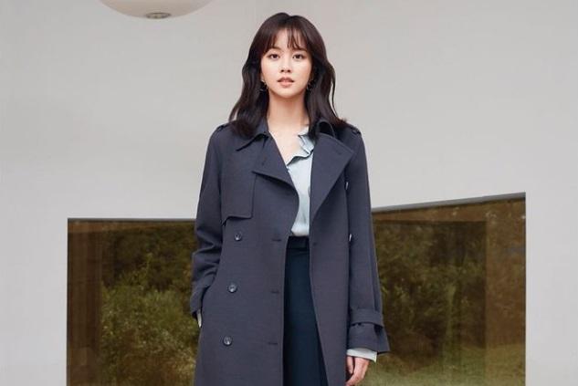 https: img.okezone.com content 2020 11 25 33 2316249 kim-so-hyun-buka-peluang-gabung-agensi-jun-ji-hyun-Zs96zghCYS.jpg