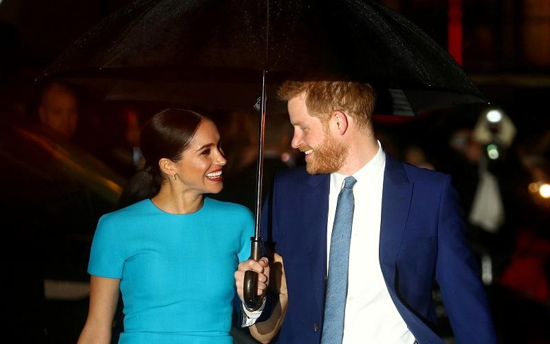https: img.okezone.com content 2020 11 26 18 2316474 istri-keguguran-pangeran-harry-dapat-dukungan-pangeran-william-dan-pangeran-charles-ZFtSs0jb9X.JPG