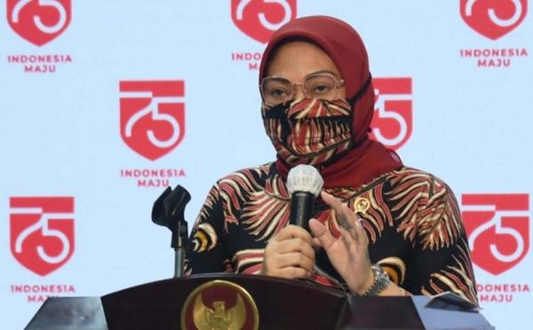https: img.okezone.com content 2020 11 26 320 2316954 dampak-corona-121-498-pekerja-migran-kembali-ke-indonesia-p8PqdlwCbn.jpg