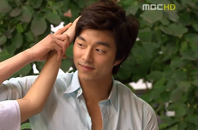 https: img.okezone.com content 2020 11 26 33 2316496 ibu-minta-gong-yoo-bersikap-seperti-karakter-choi-han-gyul-di-coffee-prince-nc50W8JfVC.jpg