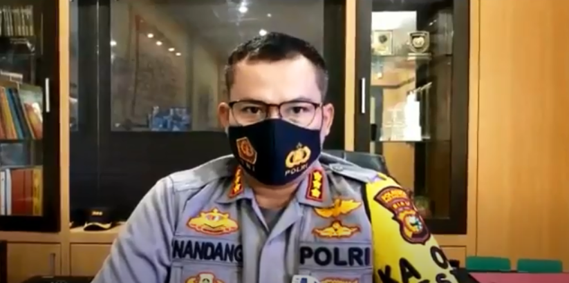 https: img.okezone.com content 2020 11 26 340 2316660 bubarkan-deklarasi-ormas-ketua-fpi-pekanbaru-jadi-tersangka-Y7ODmmKEnC.png