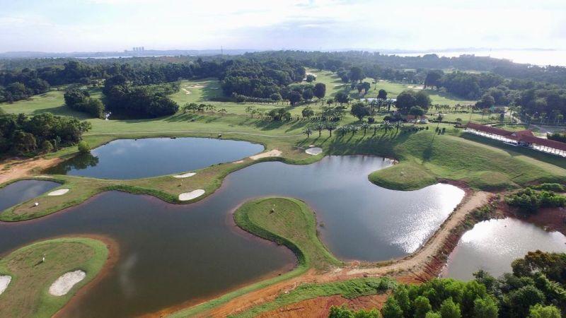 https: img.okezone.com content 2020 11 26 408 2316833 tak-cuma-tempat-olahraga-ini-deretan-lapangan-golf-yang-keren-ncLM5ySvWm.jpg