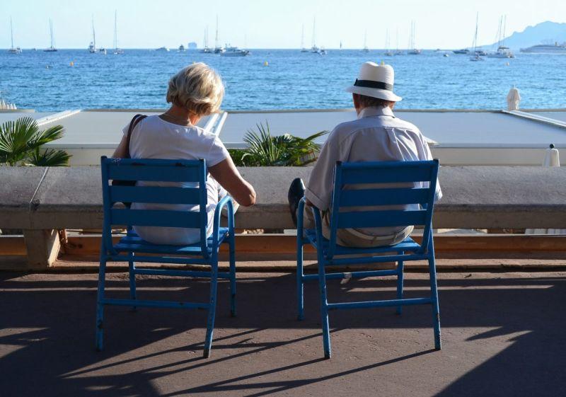 https: img.okezone.com content 2020 11 26 622 2316576 cara-kumpulkan-tabungan-pensiunan-start-di-usia-30-tahun-5OuSUgYGCV.jpg