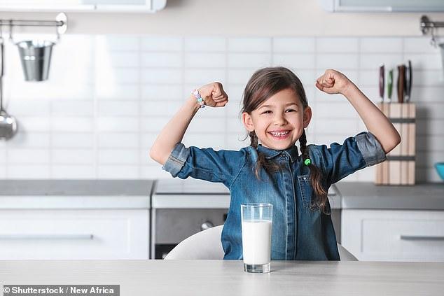 https: img.okezone.com content 2020 11 27 18 2317413 di-negara-1-dari-5-anak-sd-tidak-tahu-susu-berasal-dari-mana-WYBVVNjcwM.jpg