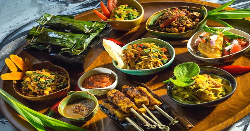 https: img.okezone.com content 2020 11 27 320 2317238 kuliner-indonesia-masih-kalah-dibanding-filipina-menko-luhut-kurang-promosi-jIvPGYlU7d.jpg