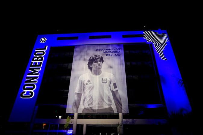 https: img.okezone.com content 2020 11 27 51 2317522 pemain-timnas-indonesia-diminta-contoh-diego-maradona-soal-apa-66KiVwlBjv.jpg