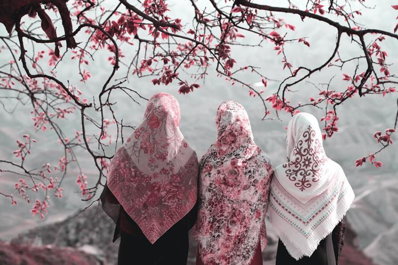 https: img.okezone.com content 2020 11 27 616 2317524 bagaimana-muslimah-memastikan-selesai-haid-untuk-sholat-simak-penjelasan-ini-0e2I4Eu1AX.jpg