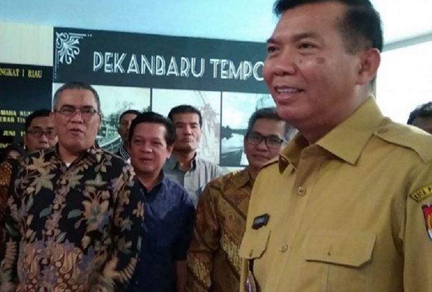 https: img.okezone.com content 2020 11 29 620 2318210 261-pelaku-usaha-di-pekanbaru-terima-dana-hibah-pariwisata-jysc96jUE6.JPG