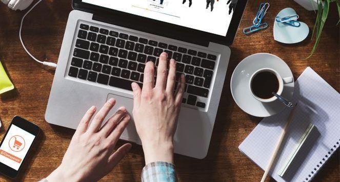 https: img.okezone.com content 2020 11 29 622 2318167 daftar-10-pekerjaan-baru-yang-muncul-di-era-digitalisasi-eLksN8R6fD.jpg