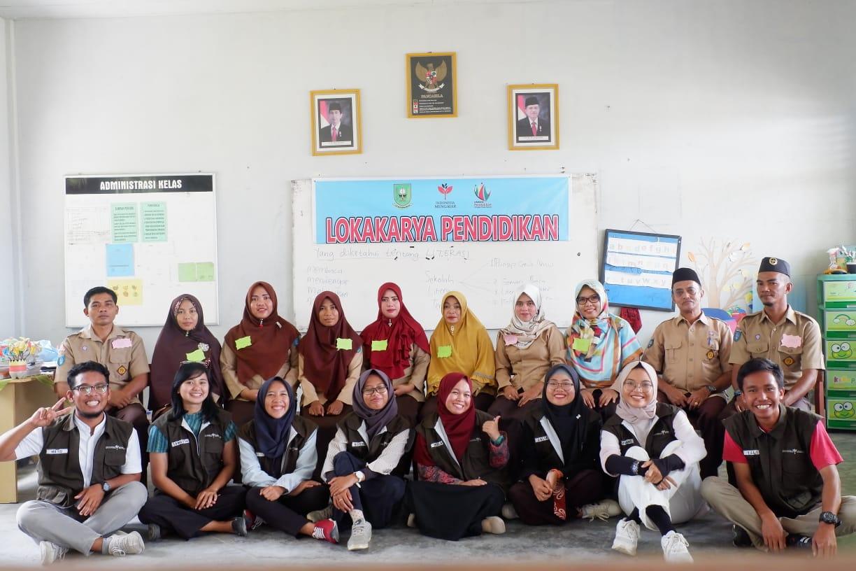https: img.okezone.com content 2020 11 29 65 2318262 pengalaman-alumnus-uns-ikut-indonesia-mengajar-di-natuna-w1j06j7sHD.jpg