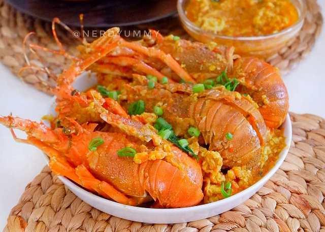 https: img.okezone.com content 2020 11 30 298 2318745 yuk-masak-lobster-saus-padang-lezat-dan-rasanya-nendang-RuszNrX6pf.jpg