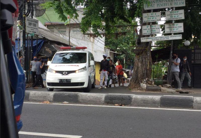 Mobil Ambulans RS Ummi Masuk Gang Rumah Habib Rizieq, Ada Apa? : Okezone  Megapolitan