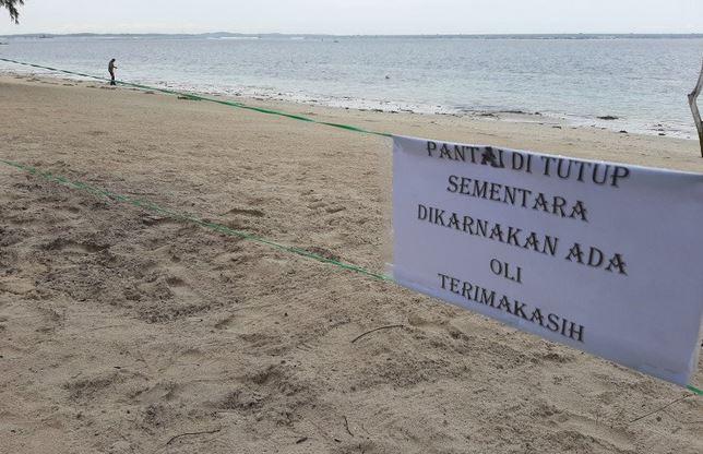 https: img.okezone.com content 2020 11 30 406 2318512 miris-kawasan-wisata-pantai-bintan-tercemar-limbah-oli-jBhp7rhoEs.JPG