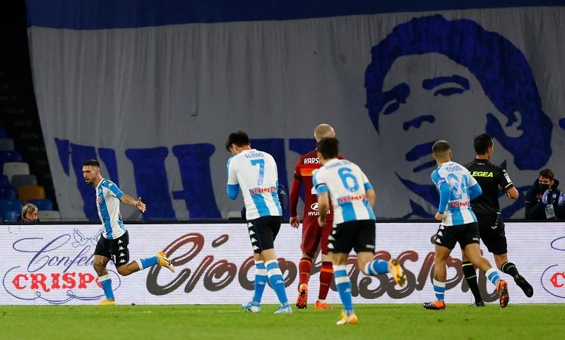 https: img.okezone.com content 2020 11 30 47 2318507 napoli-hajar-as-roma-empat-gol-tanpa-balas-AFHeSKbSqB.JPG