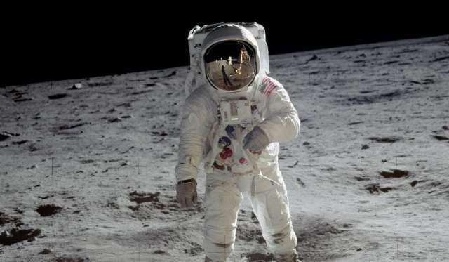 https: img.okezone.com content 2020 11 30 481 2318833 studi-ungkap-risiko-kesehatan-perjalanan-manusia-ke-luar-angkasa-LO0jHsSWXy.jpg