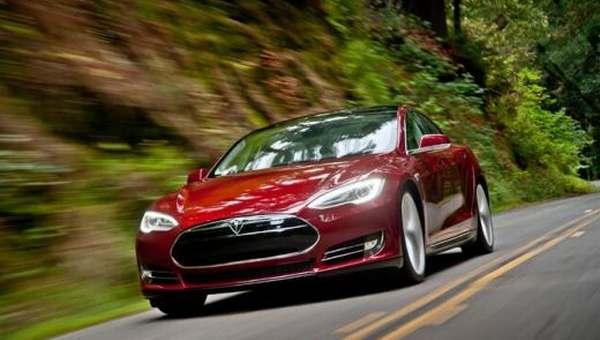 Kualitas Tesla Model S Dipertanyakan, Atap Copot saat Mengaspal : Burkelandya Otomotif