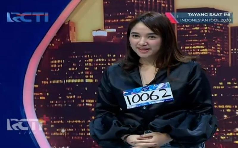 https: img.okezone.com content 2020 11 30 598 2319145 peserta-audisi-indonesian-idol-mirip-ashanty-ari-lasso-goda-anang-hermansyah-hecsv4e0Ig.jpg