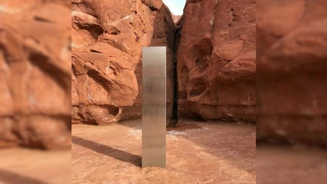 https: img.okezone.com content 2020 12 01 612 2319738 baru-ditemukan-monolit-logam-di-gurun-pasir-hilang-secara-misterius-kZt7WGi6d4.jpg