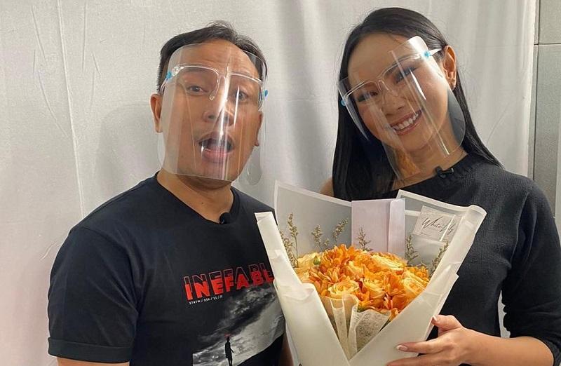 https: img.okezone.com content 2020 12 02 33 2320384 belum-menikah-kalina-ocktaranny-dan-vicky-prasetyo-sudah-siapkan-nama-anak-G9hnjnh0G7.jpg