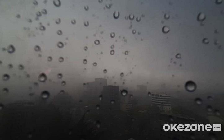 https: img.okezone.com content 2020 12 02 338 2319877 bmkg-prakirakan-hujan-guyur-jakarta-pada-siang-hari-kcshnf9pJn.jfif