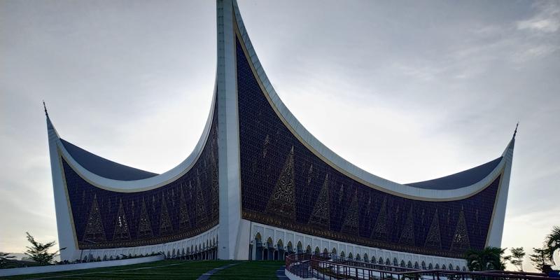 https: img.okezone.com content 2020 12 02 406 2319991 begini-gambaran-konsep-wisata-halal-di-sumbar-dcKDngJ8m2.jpg