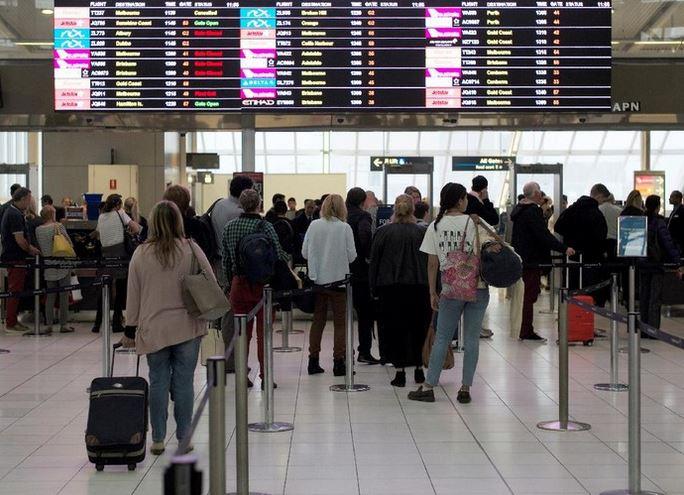 https: img.okezone.com content 2020 12 02 406 2319996 australia-buka-penerbangan-antar-negara-setelah-8-bulan-tutup-akibat-pandemi-covid-19-5hXEQYbfkM.JPG